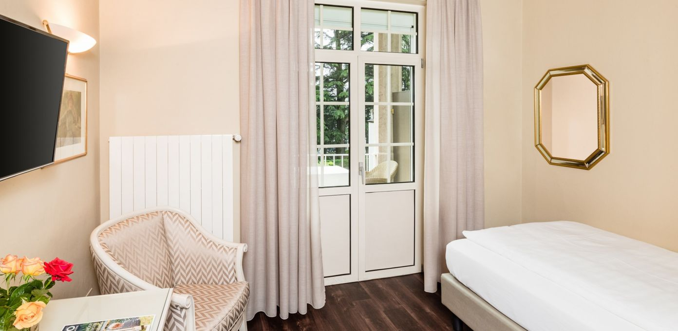 single room modern style, merano garden view